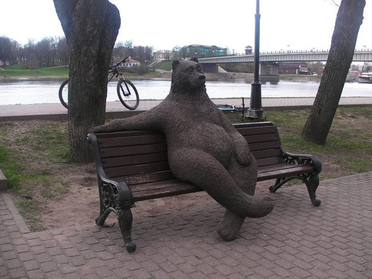 Памятники медведям в России
