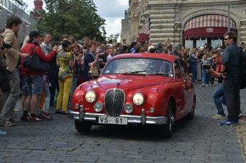 Ралли классических авто пройдет по улицам Москвы