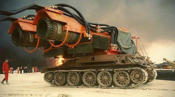 У страха глаза велики: Видимо такими видят американские генералы российские танки:)