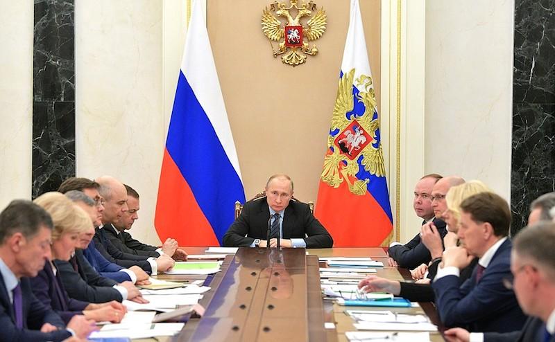 Путин напомнил министрам, дл…