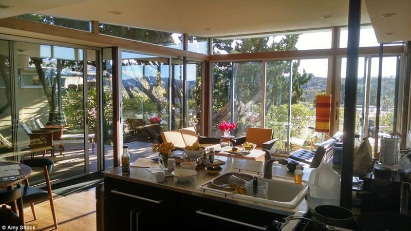 Дизайнер потратила 175 тысяч долларов, чтобы превратить свой трейлер в дом мечты