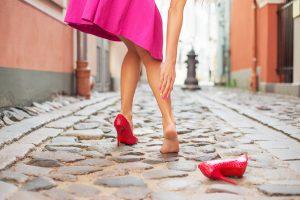 Научитесь растягивать обувь …