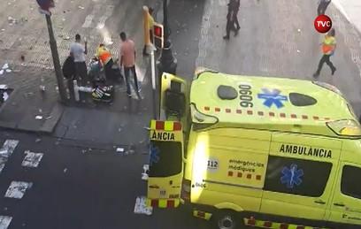СМИ сообщили о жертвах в результате наезда фургона в Барселоне