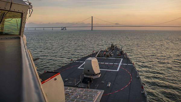Корабли ВМФ начали наблюдение за американскими эсминцами в Балтийском море