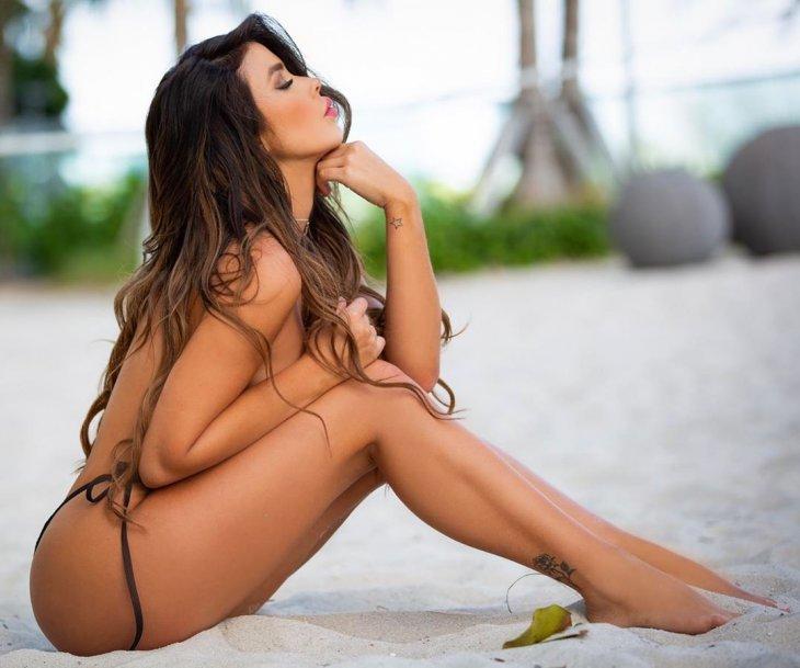 Модель Паола Каньяс — Девушка Дня