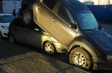 Старая Хонда забросила Дастер на Калину. Полиция ищет виновного