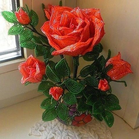Розы из бисера. Оцените рабо…