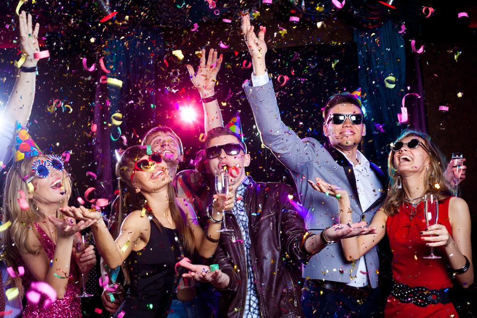 Праздник кутежа: о чем нужно помнить, если вы празднуете Новый год не дома