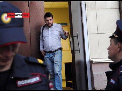 Как Леня Волков, начальник штаба Навального, кандидаток в оппозиционеры огуливает