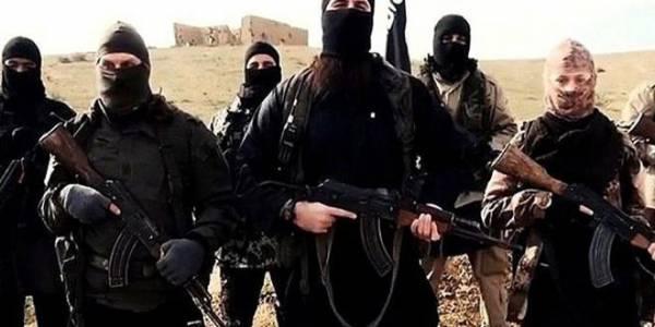 Британские СМИ: Сотни подданных её Величества до сих пор воюют в Сирии за ИГ*, но скоро они вернутся домой