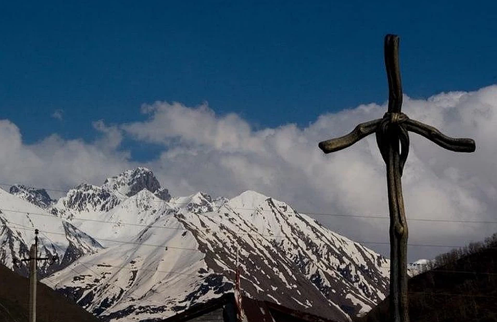 Российские туристы попали под лавину в горнолыжном курорте Грузии