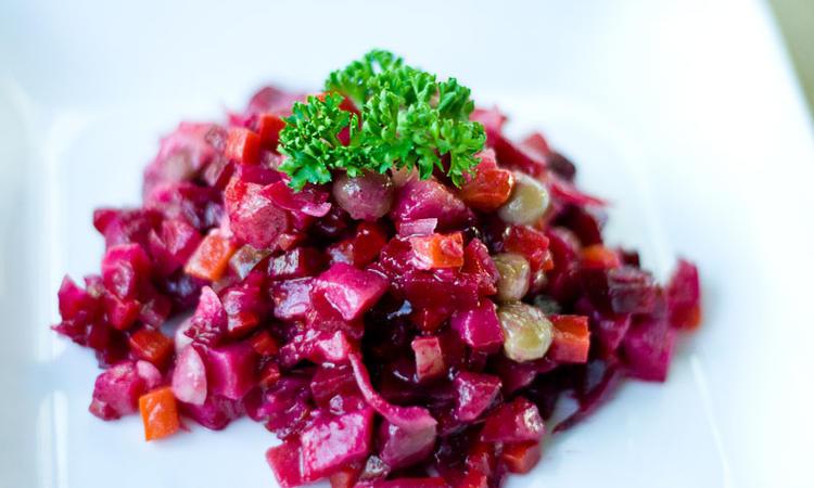 Что класть в винегрет: ингредиенты для классического рецепта салата. Какие овощи кладут в винегрет