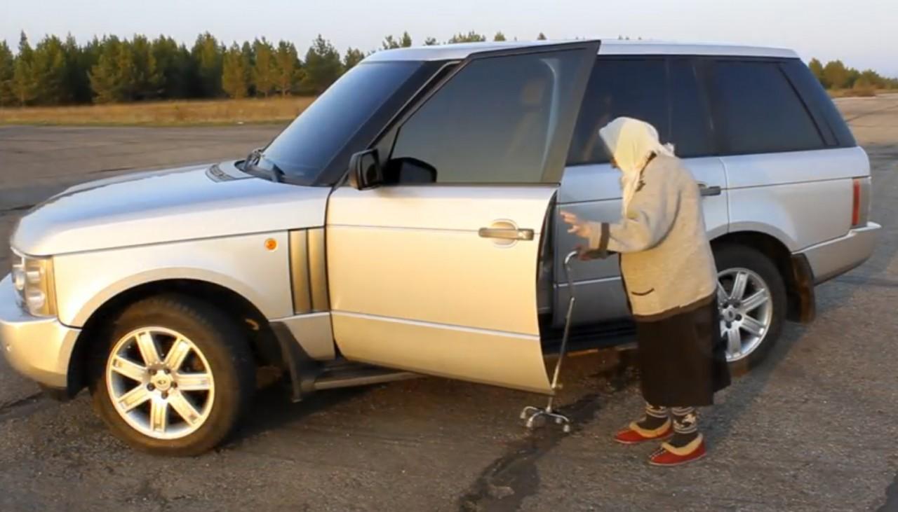 Тот момент, когда женщины могут похвастаться очень серьезным водительским стажем