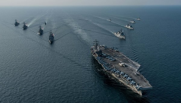 В реальном бою был бы потоплен: авианосец США не смог обнаружить подлодку НАТО