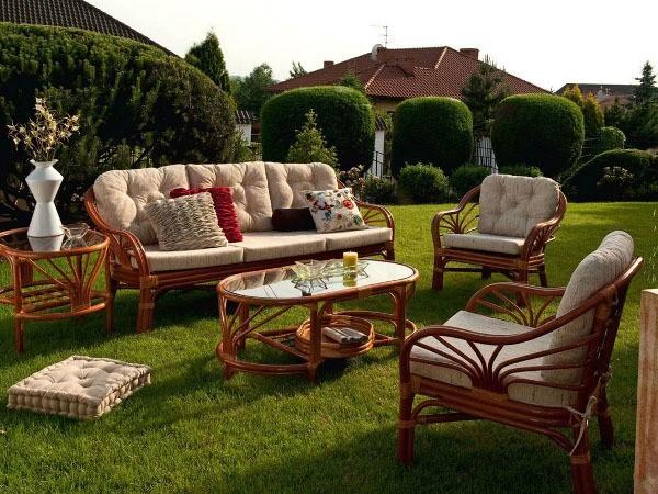 Несколько советов по подбору лучшей уличной мебели
