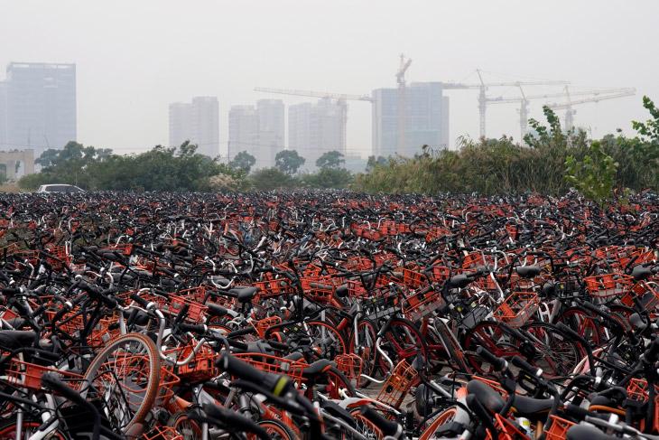 Кладбище велосипедов в Шанхае