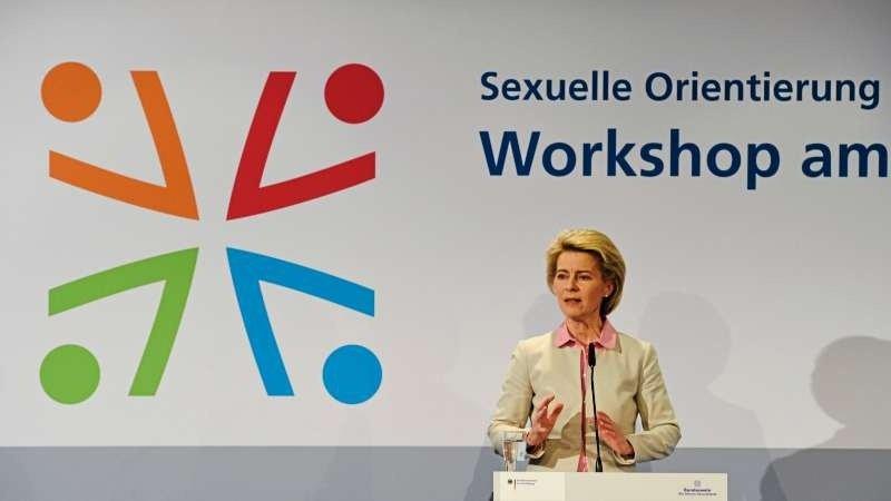 Новая эмблема Бундесвера
