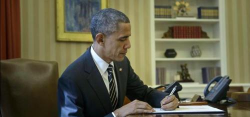 """За 3 дня до выборов Обама подписывает распоряжение о подготовке америкосов к """"Всемирной эпидемии""""."""