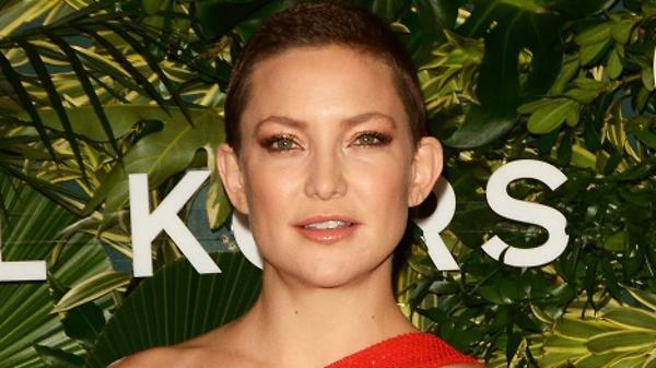 Кейт Хадсон обнажила беремен…