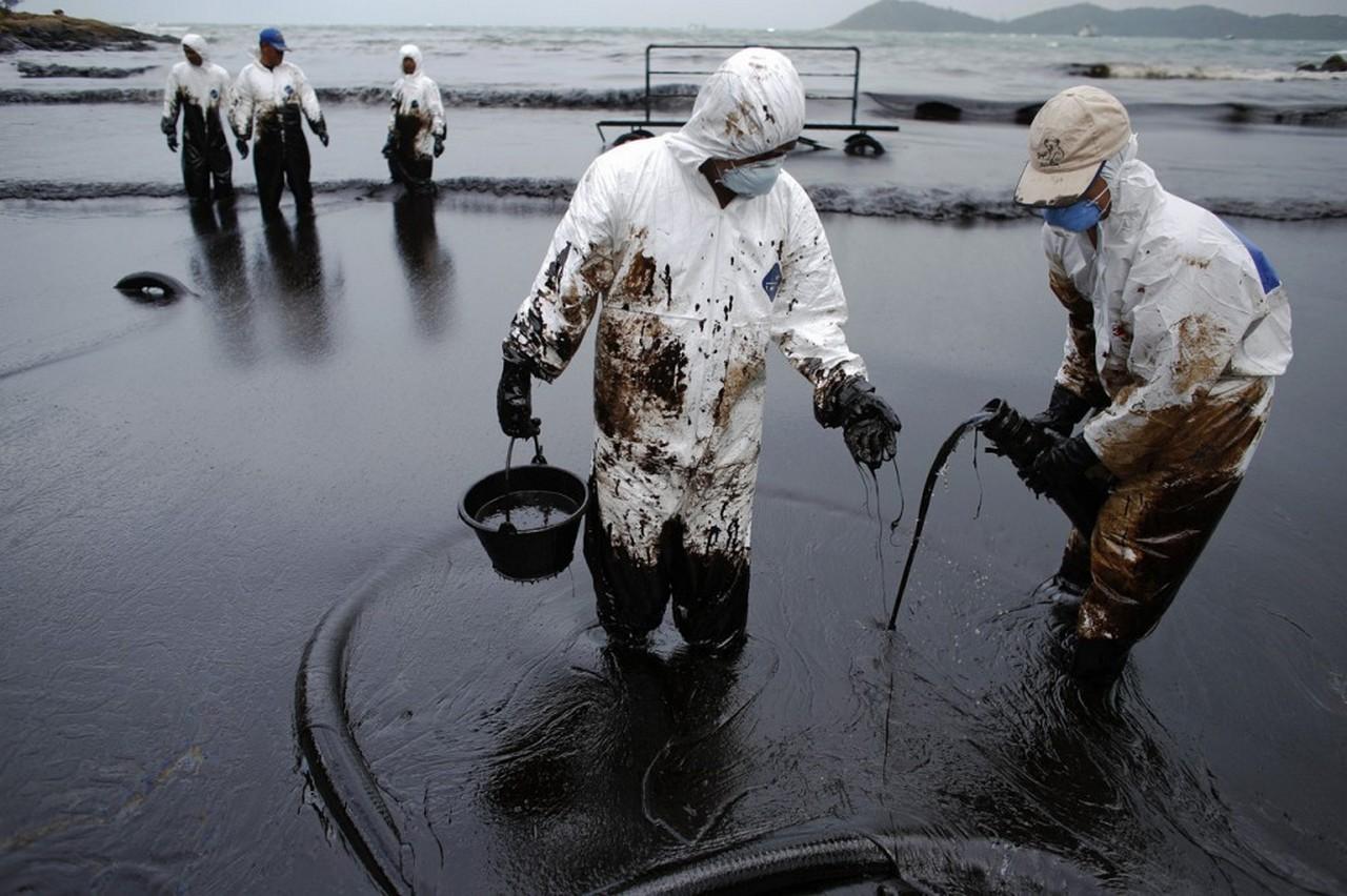 Утопленный фрегат, нерабочая GPS, иранская нефть, и виноватая Россия