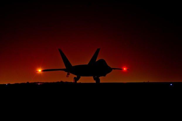 Американские истребители F-22А принимали участие в нанесении удара по Сирии