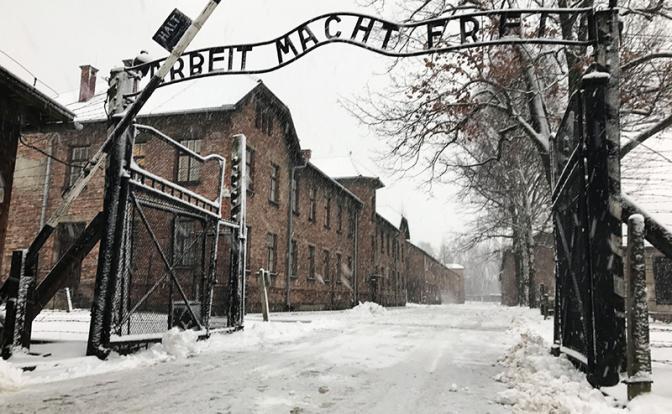 Польша открещивается от Холокоста. Зачем полякам понадобилось принимать закон, запрещающий обвинения страны в пособничестве нацизму