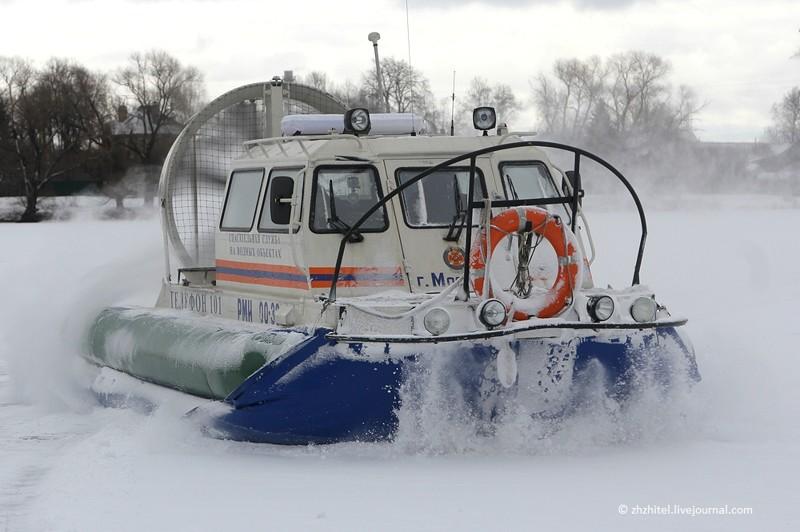 Служба спасения на водах. И на льдах!