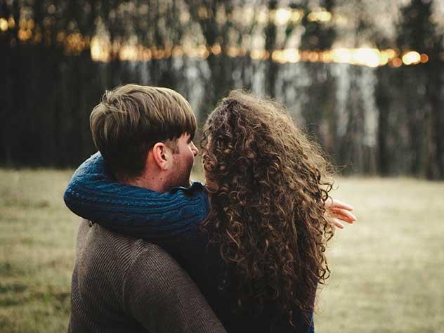 Психологи рассказали о том, что вредит романтическим отношениям