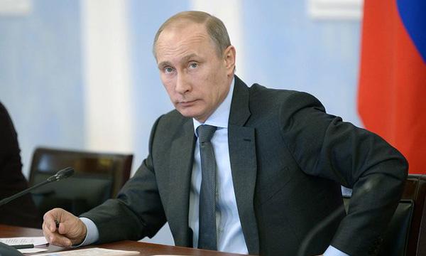 Путин подписал закон об уголовной ответственности за склонение детей к суициду