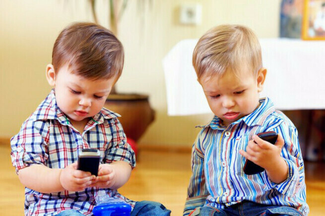 «Забери у дитя телефон» — стихотворение для каждого родителя