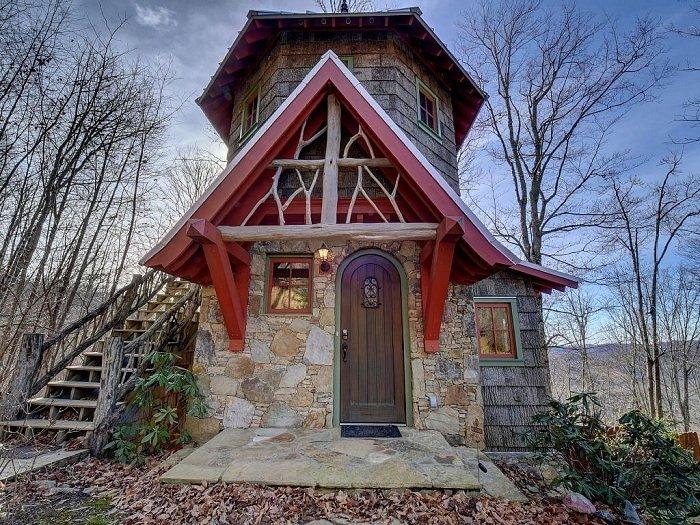 Сказочный домик в лесах Северной Каролины