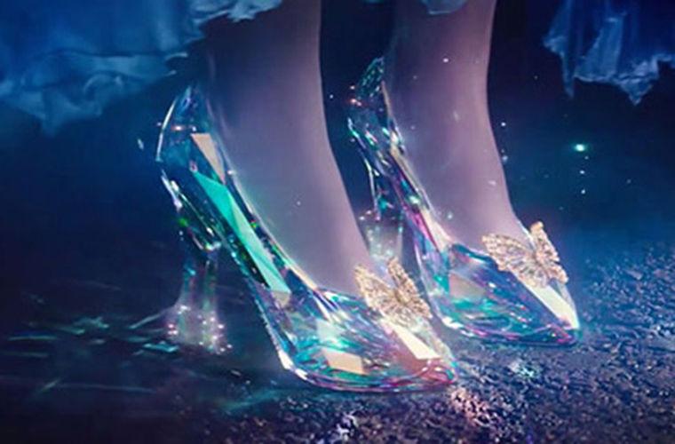 Физики вычислили высоту каблуков туфелек Золушки