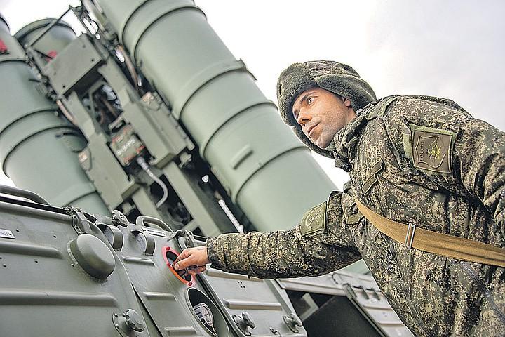 Россия вышла на второе место в мире по выпуску оружия