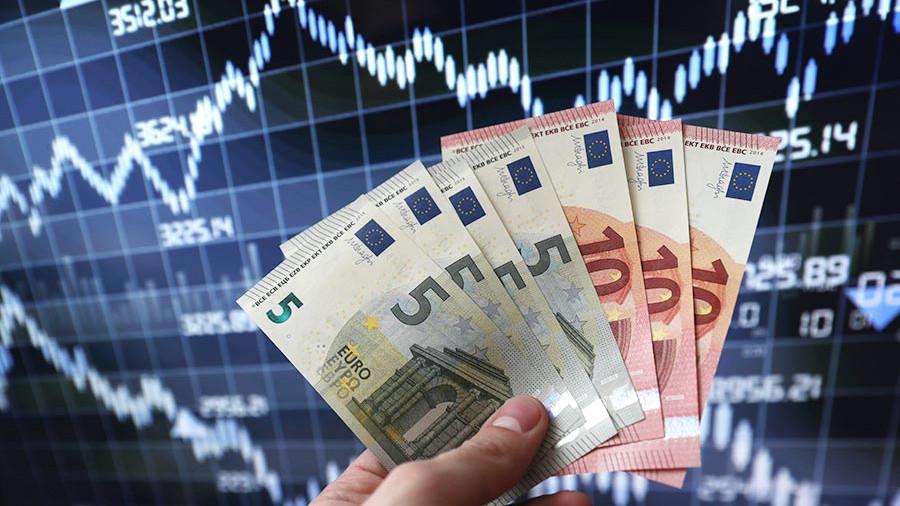 Вы следите за курсом валют?