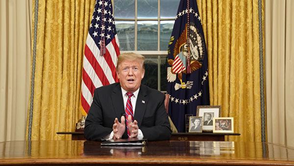 Трамп выступил с обращением к американцам