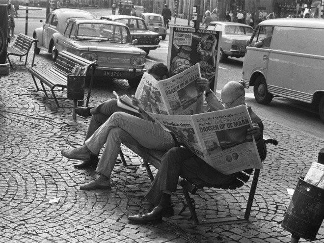 Как жили люди до того, как изобрели смартфоны газеты, залипалово, история, люди, смартфоны, человечество