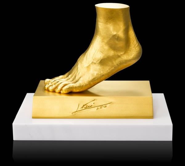 Золотые скульптуры: древние …