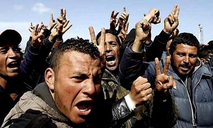 СМИ: В ЕС прорываются 20 тысяч вооруженных мигрантов