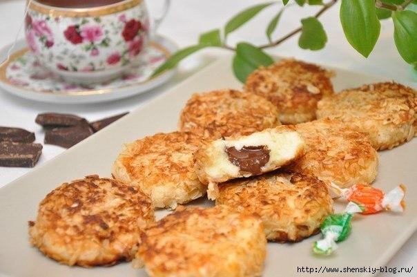 Вкуснейшие сырники с шоколадной начинкой в панировке из овсяных хлопьев