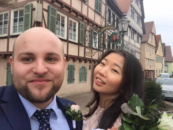 Нацист всех шокировал - женился на азиатке из России