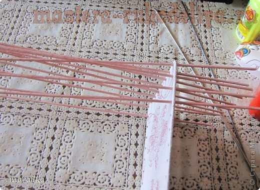 Мастер-класс по плетению из газет: Коса на дне коробочки