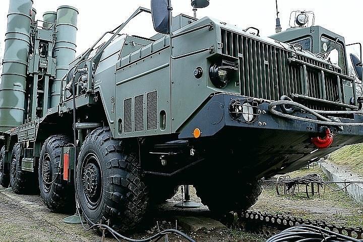 СМИ: Россия может в ближайшее время поставить Сирии зенитно-ракетные системы С-300