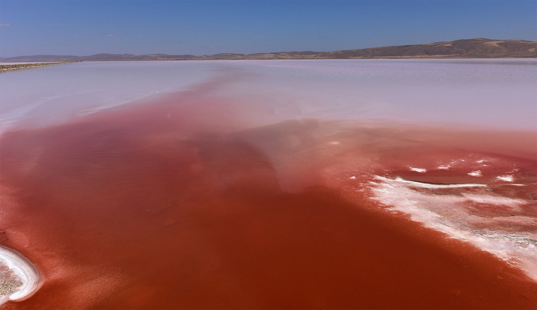 Что скрывает кровавое озеро Туз