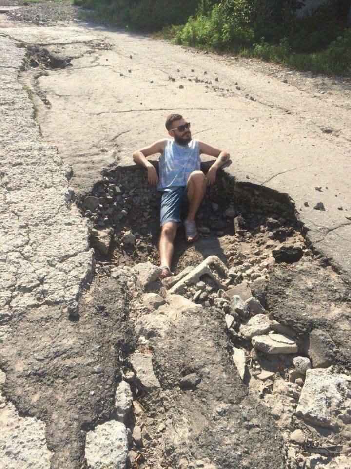 Майданщики отказываются признать вину за катастрофу с автодорогами Украины