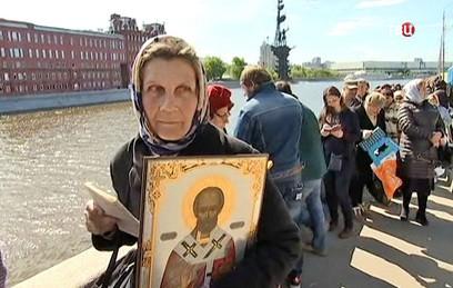 Более 25 тысяч человек поклонились мощам Николая Чудотворца
