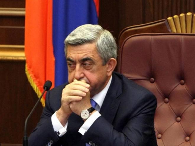 Революция победила. Саргсян подал в отставку