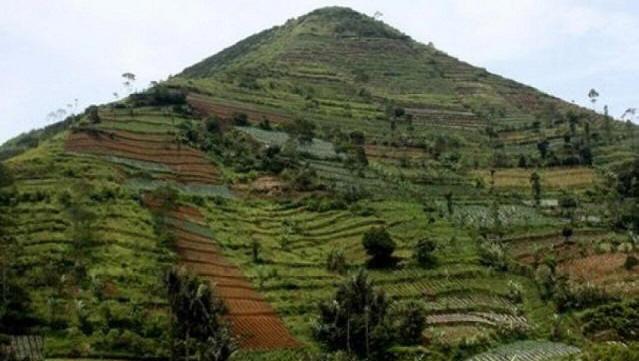 Тайны мира, которым нет внятного объяснения. Гунунг-Паданг - Великая Индонезийская пирамида.
