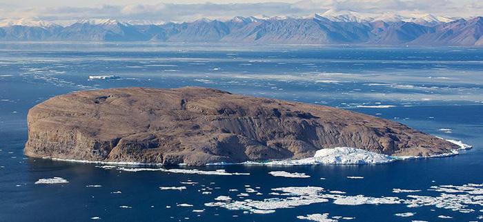 Остров Ганса - круглый кусок скалы, на котором ничего не растет и никто не живет.