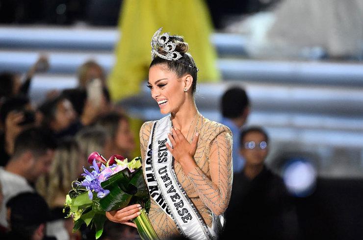 В конкурсе «Мисс Вселенная - 2017» победила 22-летняя представительница ЮАР