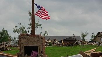 Четыре человека погибли во время торнадо в американском Хэттисбурге